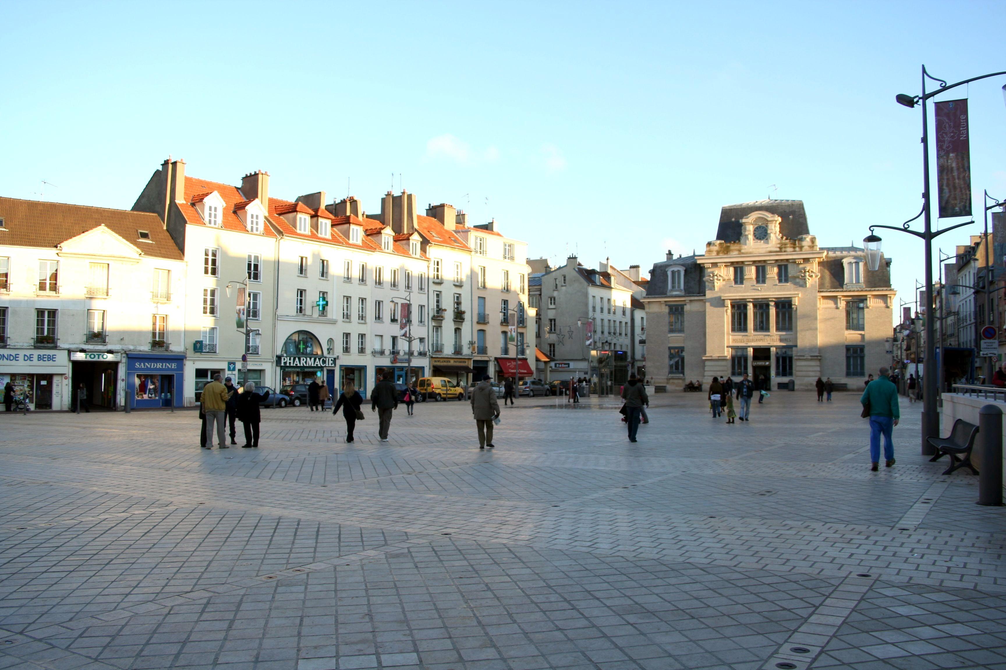 Saint-Germain-en-Laye_-_place_du_Marché-Neuf